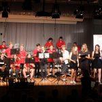 Big Band zusammen mit dem Mittel- und Oberstufenchor