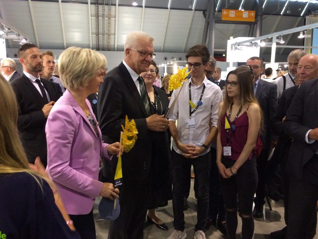 Kate und Tom überzeugen auch den Ministerpräsidenten