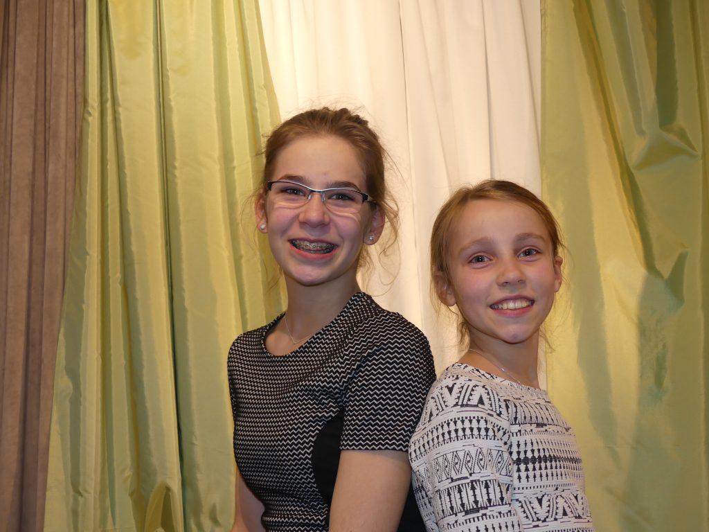 Lily Grehl (CLG Kl.5) und Malina Geiselmann (CLG Kl.9)
