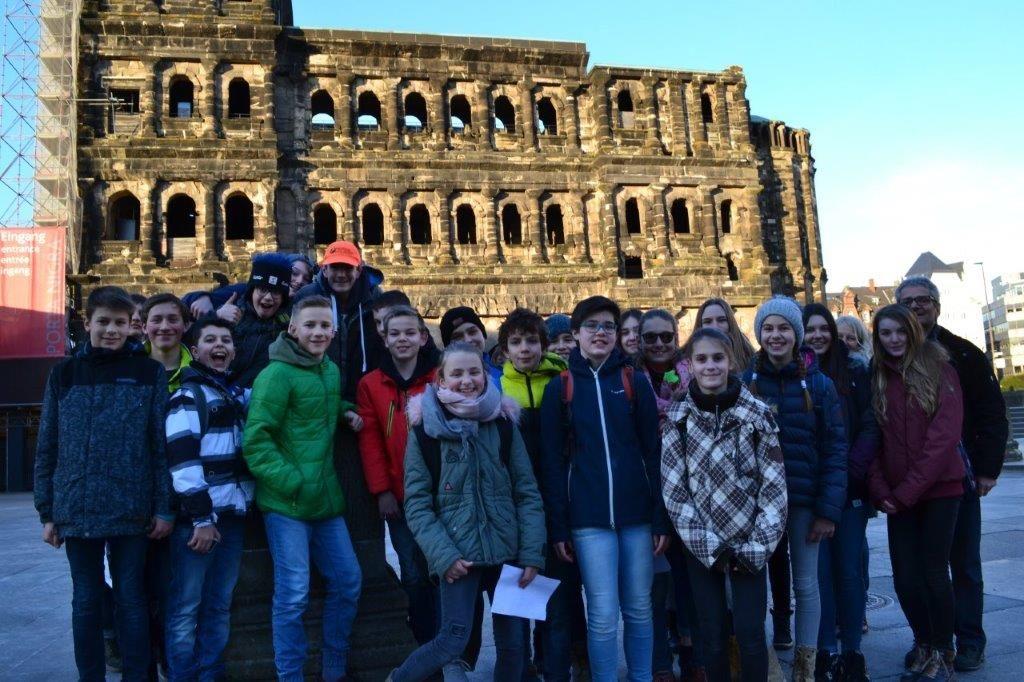 Schülerinnen und Schüler in Trier