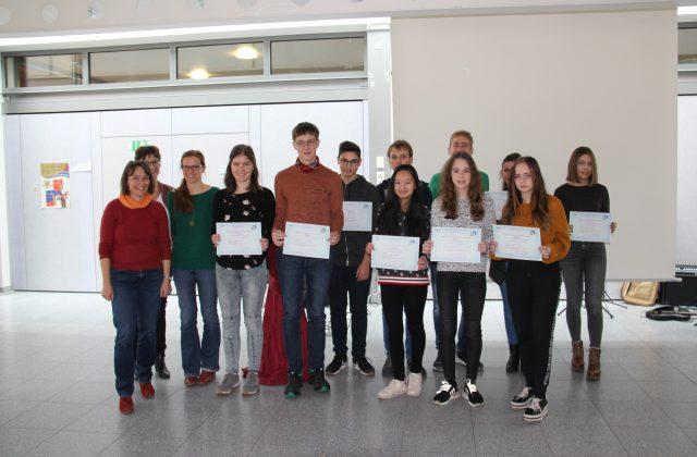 CLG-Schülerinnen und Schüler mit DELF-Zertifikate