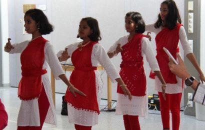 indische Schülerinnen